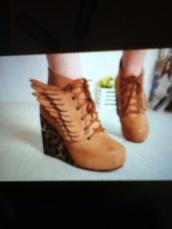 shoes,wings,leopard print,brown,booties,wedges