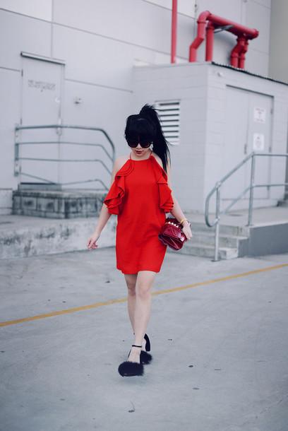 pale division dress jewels sunglasses bag shoes