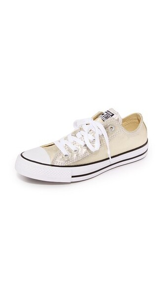 light sneakers low top sneakers gold white black shoes