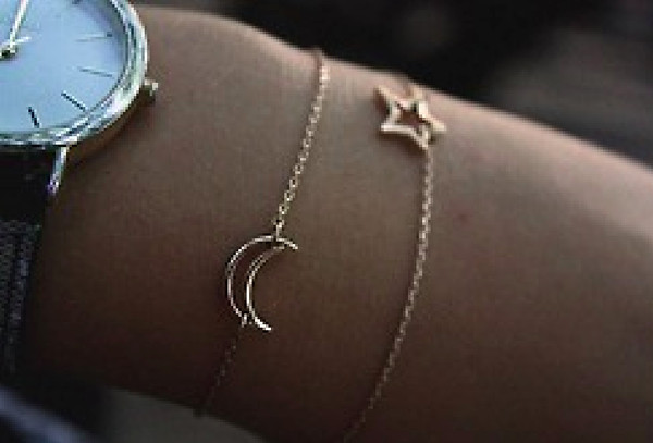 jewels stars moon watch bracelets jewe bracelets gold chain crescent crescentmoon crescent moon gold star gold bracelet gold bracelet gold moon bracelets set bracelets jewelry accessories dainty bracelets dainty simple dainty stars girl moo :( jewelry bracelets moon bracelet star bracelet moon and star bracelet fashion brancelet grunge jewelery gold jewelry