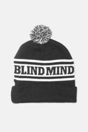 hat,beanie,black and white