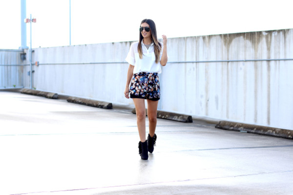 the material girl blogger top sunglasses