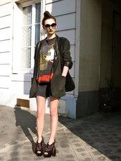 black sunglasses,white sunglasses,sunglasses