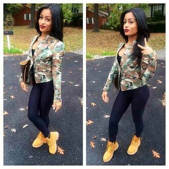 jacket camouflage timberlands black leggings purse gold chain marivelle linda marivelle pnky instagram famous shoes