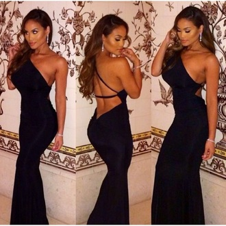 dress uptownsociety fashion little black dress christmas new year's eve evening dress instagram make-up uptownfashion