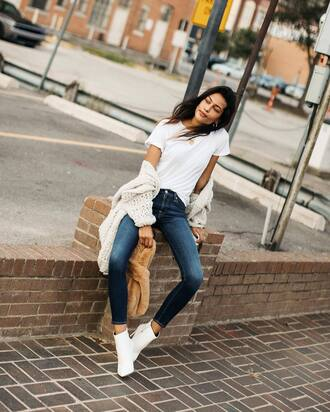 shoes boots white boots ankle boots denim jeans blue jeans skinny jeans t-shirt white t-shirt cardigan oversized cardigan