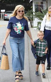 jeans,flare jeans,reese witherspoon,blouse