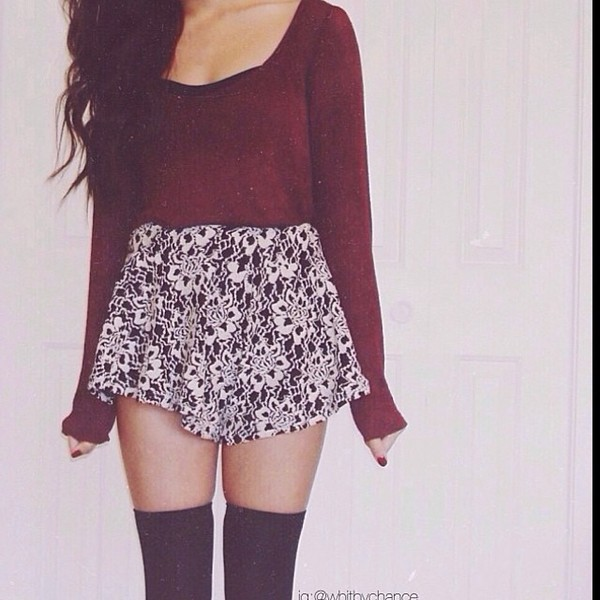 skirt shoes sweater pants coat thigh highs printed skirt burgundy sweater knee high socks socks knee high socks shirt lovely skirt cute skirt high waisted skirt skater skirt printed skirt b&w so cute! black floral mini skirt long sleeves red