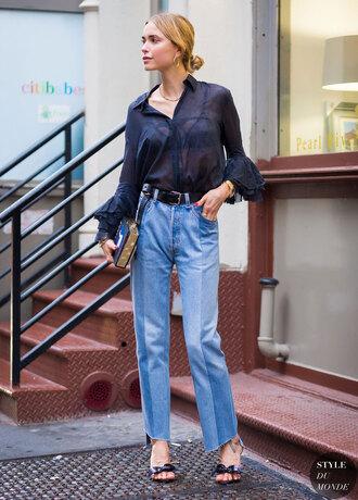 look de pernille blogger sheer black blouse mom jeans