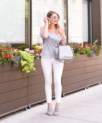 visions of vogue blogger top jeans bag sunglasses jewels make-up white pants handbag grey bag summer outfits mules