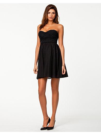 Rihanna 2 Dress - Nly Trend - Sort - Festkjoler - Tøj - Kvinde - Nelly.com