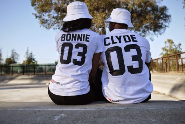 top bonnie clyde couple love cute t-shirt