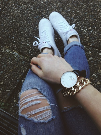jeans ripped jeans leather watch daniel wellington reebok white shoes tumblr outfit girls sneakers ootd