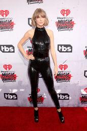 jumpsuit,sequins,black,pants,belt,booties,taylor swift,red carpet,shoes