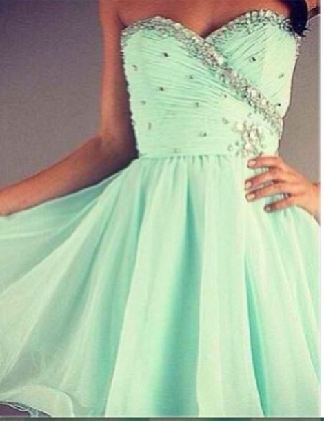dress colour is a aqua sort of colour.