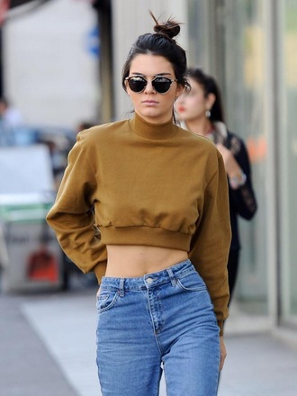 top kendall jenner beige sweater sweater clothes smoke style boyfriend jeans turtleneck cropped sweater jeans jumper brown sweater blue orange sunglasses