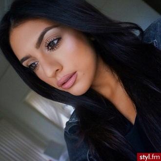 make-up girl beauty fashion