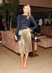 skirt,midi skirt,pleated,pleated skirt,kelly rohrbach,sandals,top,gold,gold skirt