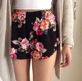 shorts floral florals spring outfits summer outfits printed shorts flowered shorts soft shorts