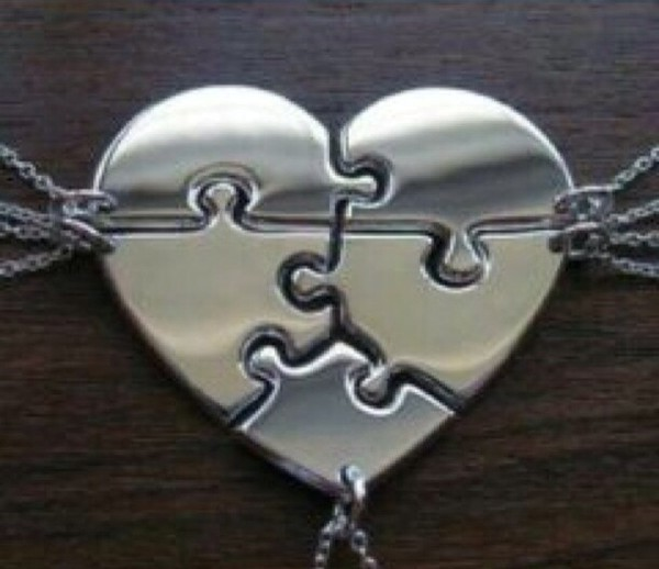 jewels necklace friends charm silver