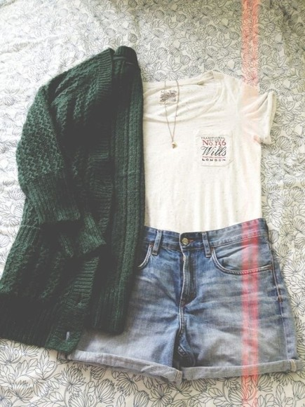 cardigan green cardigan sweater t-shirt outfit oversized cardigan tshirt shorts high waisted short necklace tumblr london