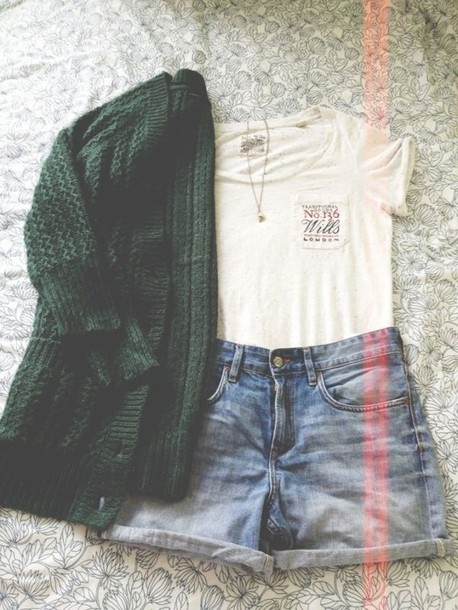 t-shirt outfit cardigan oversized cardigan green cardigan t-shirt shorts High waisted shorts necklace tumblr london sweater forest green cute jacket green knitted cardigan top gilet white jeans casual shirt khaki vest