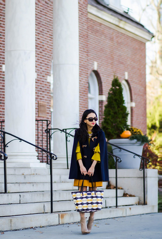 fastfood&fastfashion blogger jacket coat pants sweater dress skirt fall outfits cape ankle boots yellow sweater