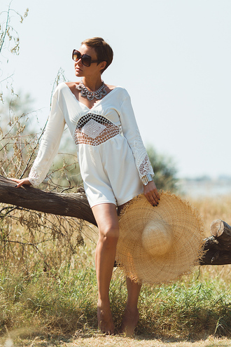 gvozdishe blogger white romper sun hat www.ebonylace.net ebonylace big hat