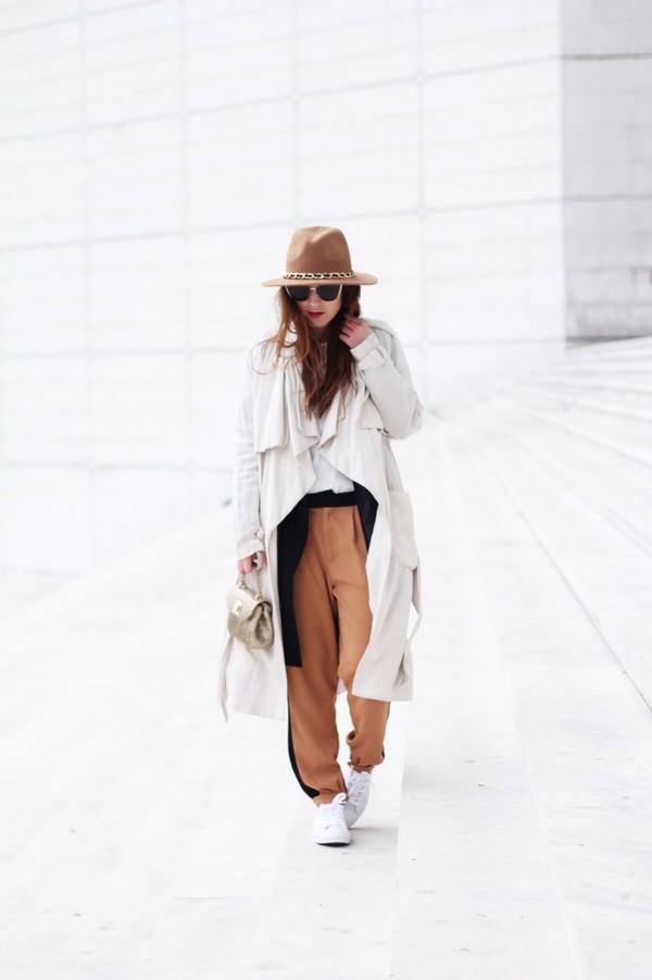 elodie in paris blogger hat pants coat shirt shoes sunglasses bag
