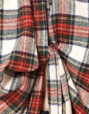 Danielle Scutt | Camisa extragrande retorcida con cuadros escoceses de Danielle Scutt en ASOS