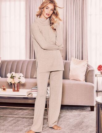 top turtleneck pants pajamas rosie huntington-whiteley model nightwear