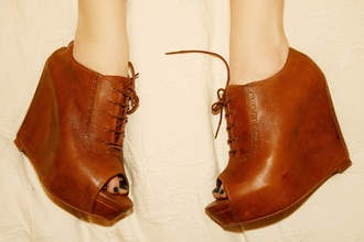 shoes boots booties boots with laces heel brown platform brown booties wedge booties leather wedges vintage boots vintage open toes lace up lace-up shoes
