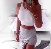 skirt,grey,style,girly,lovely,nice,top,bag,white,phone cover,jewels,tank top,dress,grey skirt,soo prettyy,girl,iphone case,outfit,shirt,wrap,sarong,summer,tight,crop tops,tan skin,tan,ipohone,iphone,iphone cover,white crop tops,grey skirt and top,stylist,stylish,cross skirt,crop,bodycon,twistskirt,wrap skirt,asymmetrical skirt,draped,grey slit skirt,blouse,gold,gray skirt,shoes,wow,fashion,light grey,chic