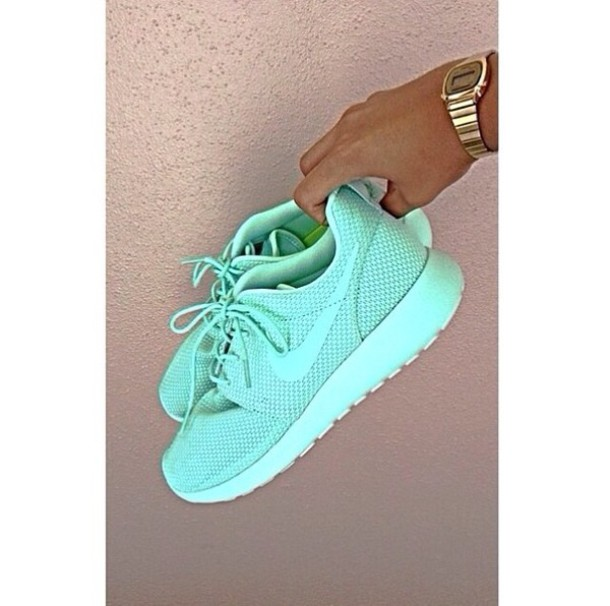 shoes women s mint green nike roshe runs 73067c4f93