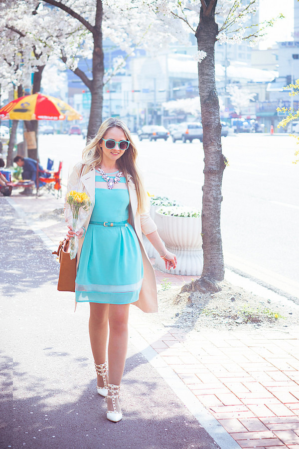 my blonde gal dress bag jewels belt sunglasses shoes