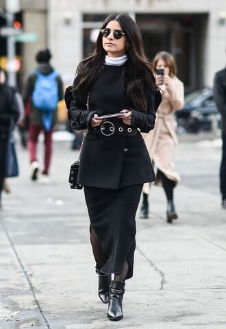 skirt nyfw 2017 fashion week 2017 fashion week streetstyle maxi skirt slit skirt tights net tights fishnet tights boots black boots ankle boots pointed boots black blazer blazer belt bag black bag sunglasses all black everything