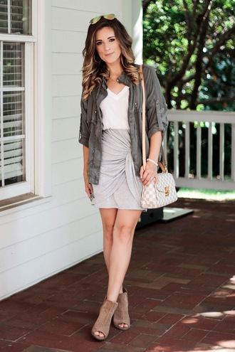 thedaintydarling blogger jacket skirt t-shirt shoes jewels army green jacket shoulder bag booties fall outfits