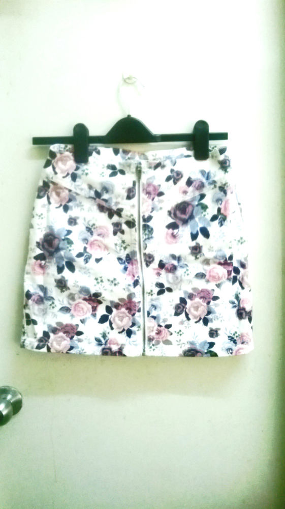 Gorgeous H&M Floral Zip Detail Corduroy Bodycon Mini Skirt UK12 BN New! | eBay