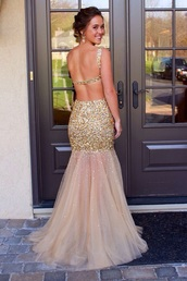 gold sequins dress,open back prom dress,prom dress,gold,dress,gold prom dress,sparkle,gold sequins,sequin dress,gold dress,sparkly dress,backless prom dress,gold mermaid dress,gold mermaid prom,girl,girly,girly wishlist,prom,prom gown,prom beauty,long prom dress,homecoming dress,open back,tulle skirt,sequins,fashion,dressofgirl