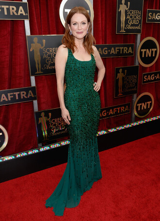 dress green gown sag awards julianne moore