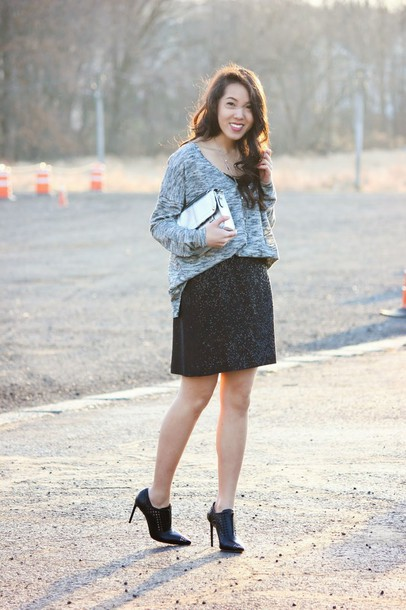 refined couture blogger sweater skirt shoes bag jewels