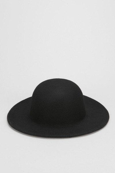 The Legend consists of a % Australian wool felt, features an open crown, 2