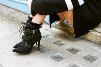 alessandra kamaile blogger zara black boots