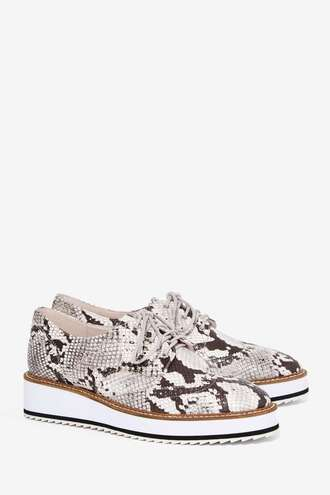shoes platform shoes flatforms nastygal derbies snake print