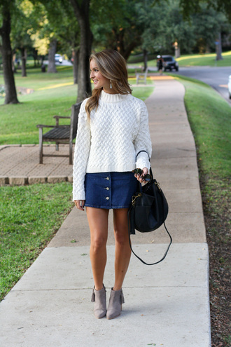 lolo mag blogger sweater skirt shoes bag sunglasses jewels