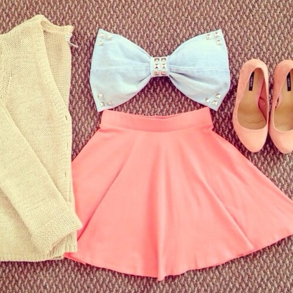 skirt bow white shorts tank top shoes sweater shirt blue tellow yellow studs