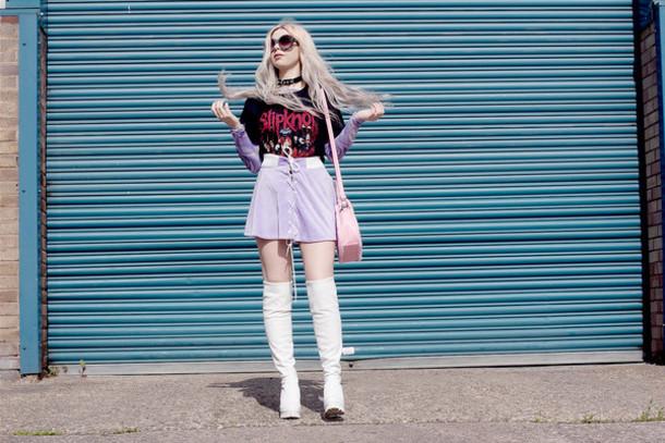 kayla hadlington blogger t-shirt bag skirt shoes sunglasses lace up skirt