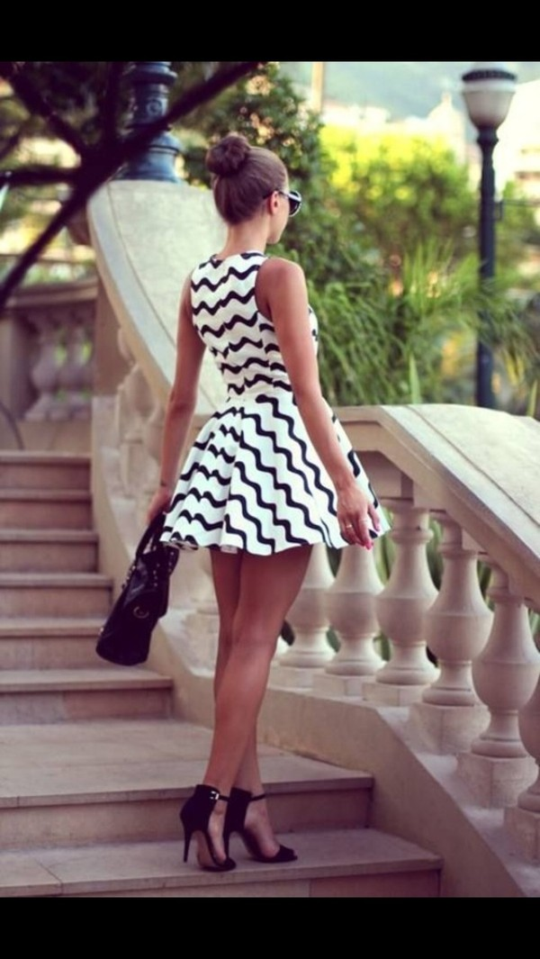 shoes black high heels dress black dress white dress zigzag office outfits stripes fashion black white dress zig zag black and white zig zag black and white dress