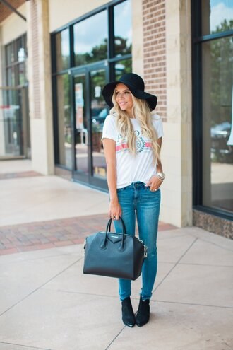 t-shirt slogan t-shirts denim skinny jeans hat tote bag ankle boots blogger blogger style