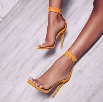 shorts yellow mustard shoes